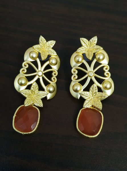 Adorable Rose Gold Stone Gold Earrings