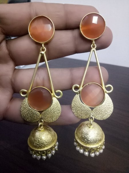 Graceful Trendy Golden Jaipuri Stone Jhumka
