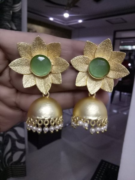 Mangnificent Flower Stone Studded Jhumka