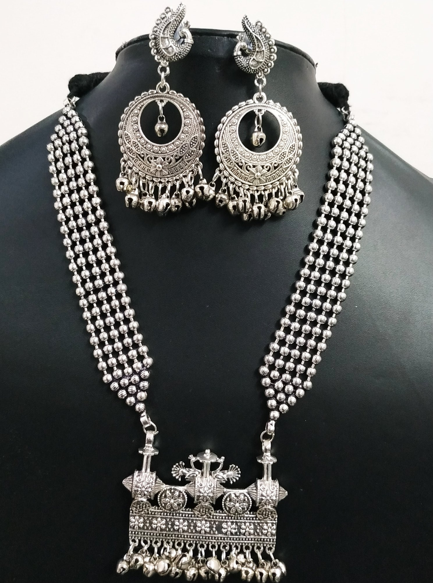 Beautiful Traditional Rajwada Heavy Necklace Set
