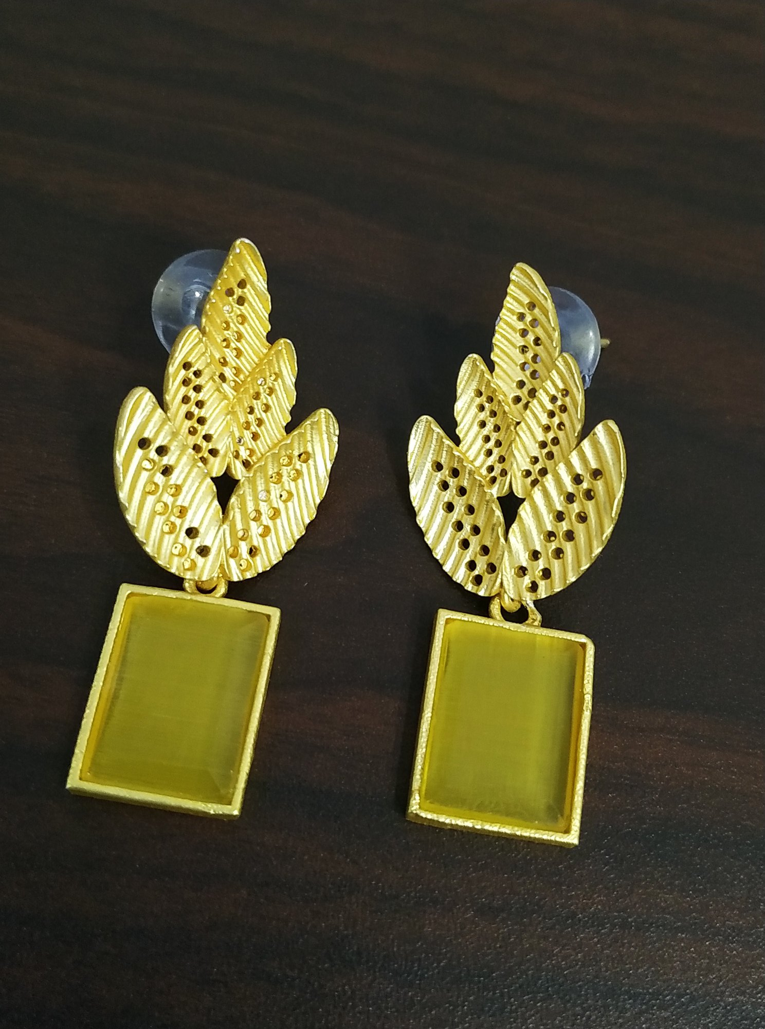 Traditional Jaipuri Golden Stone Studds