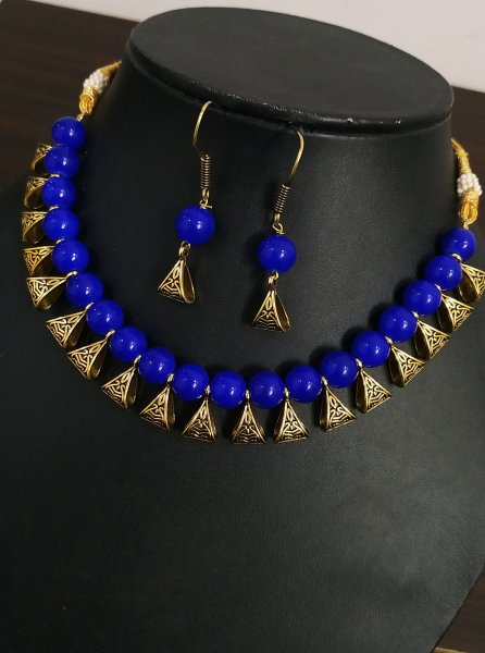 Attractive Golden Beaded Necklace Set