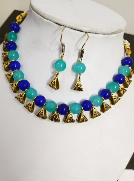 Superb Multicolor Loop Necklace Set