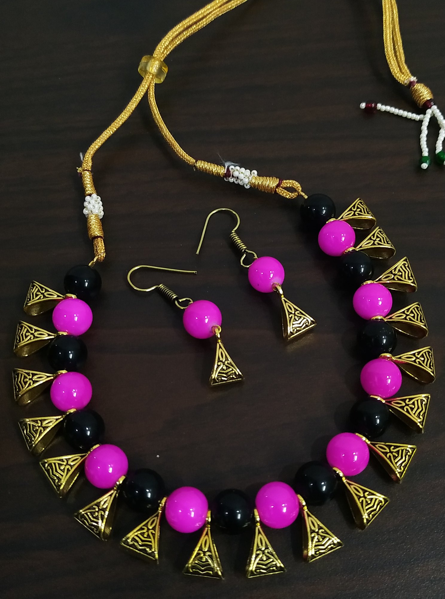 Elegant Multicolor Loop Necklace Set