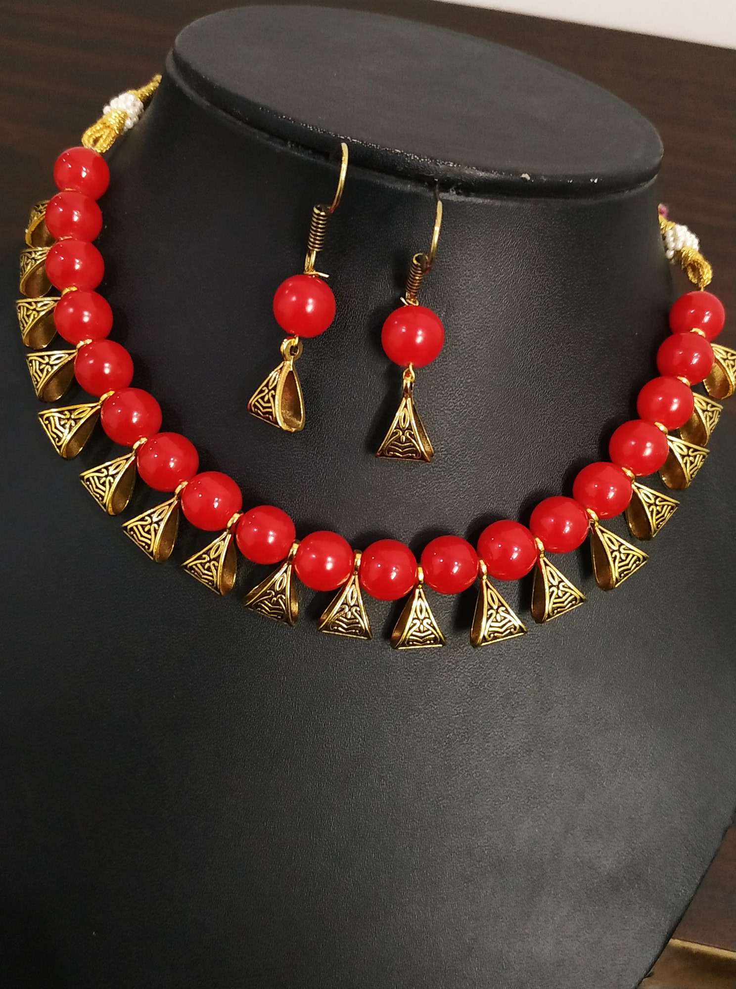 Gracious Loop Antique Necklace Set