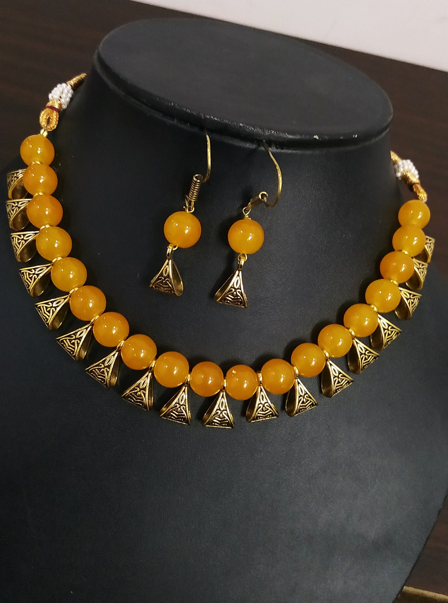 Awesome Loop Beaded Necklace Set