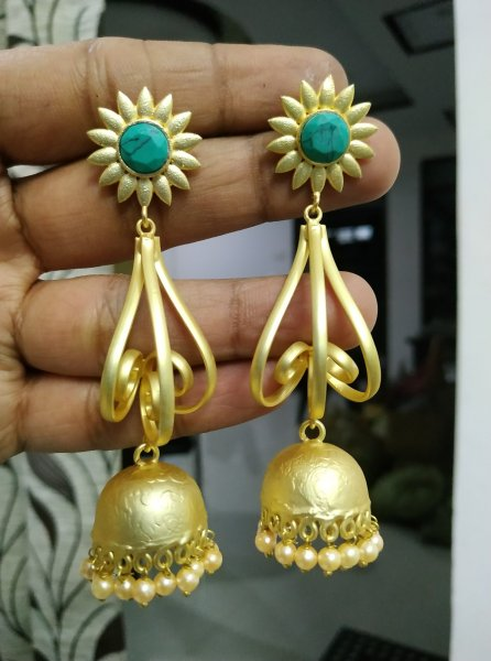 Loving Ethnic Golden Jhumka