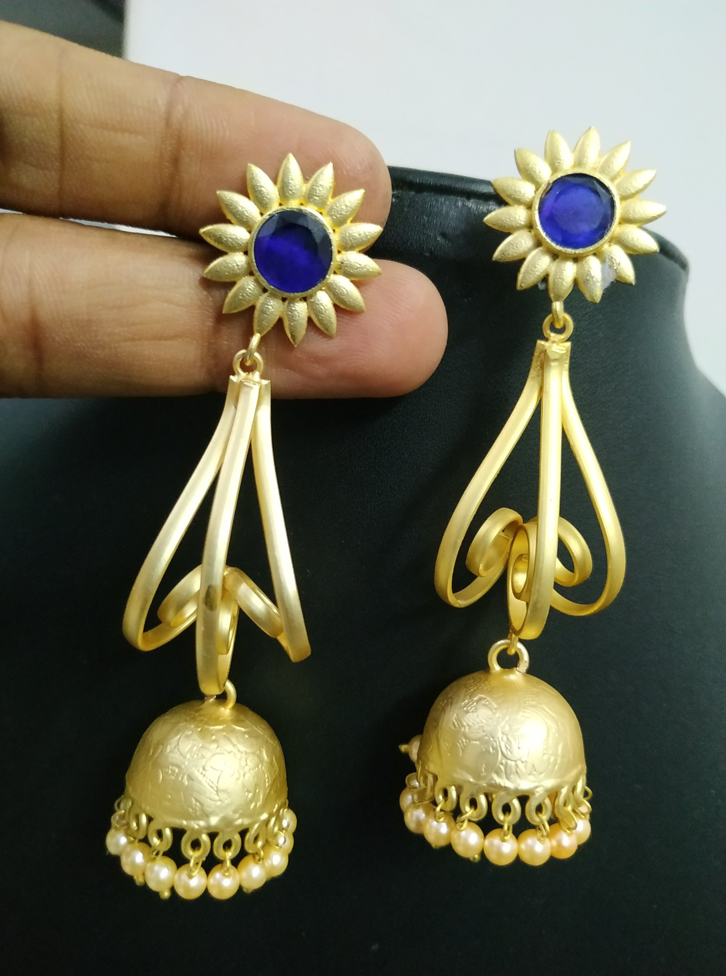 Beautiful Golden Jhumka